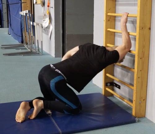 one arm traps stretch
