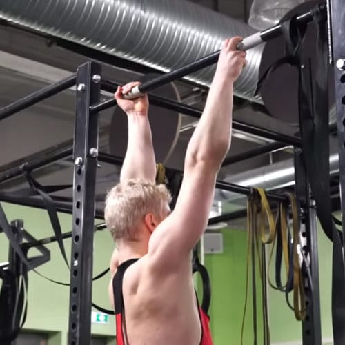 finger assisted one arm chin up