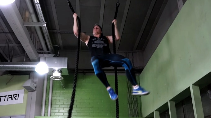 rope climb with two ropes