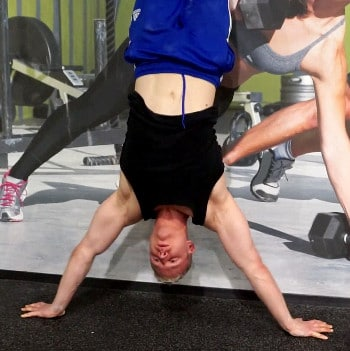 wide headstand push up