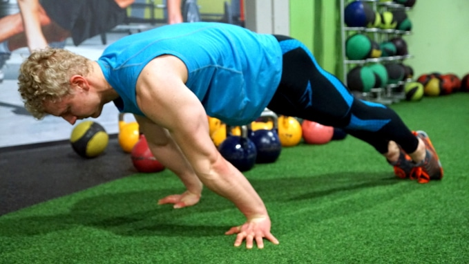 horizontal workout planche push up