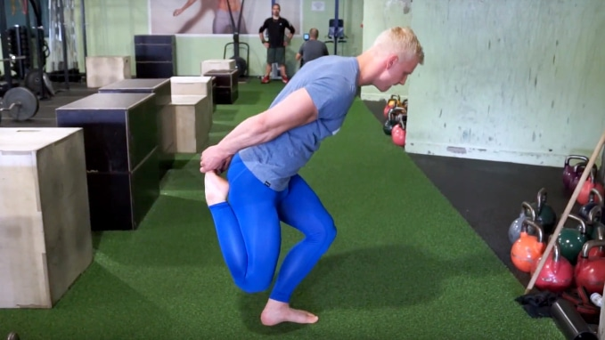 how to skater squat shrimp squat