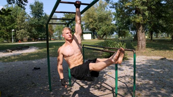 one arm swing movement