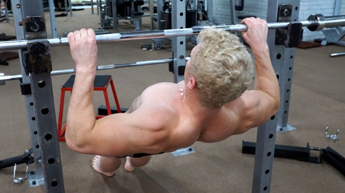 wide inverted row for lats