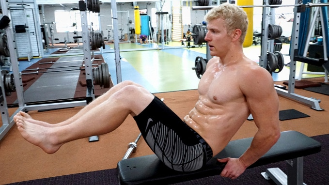 knee raise superset for abs