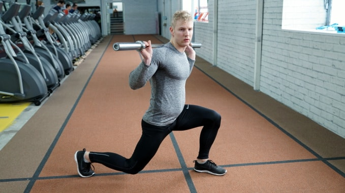 turning lunge exercise