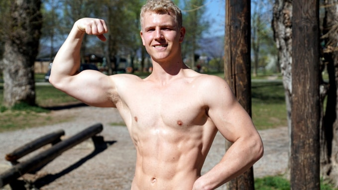 4 pull up variations you need to fully develop arms and biceps