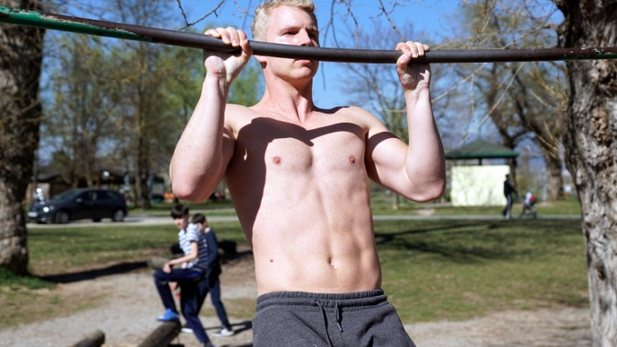 4 Pull Up Variations You Need for Fully Developed Arms - VAHVA Fitness