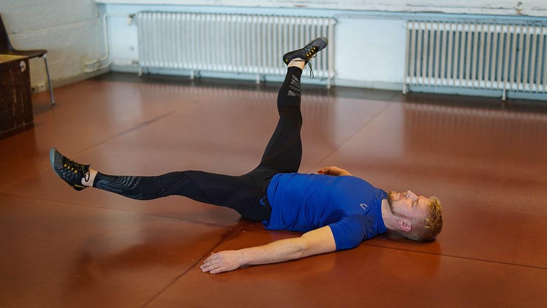 alternating leg circles athlete20xx athletic mobility drill
