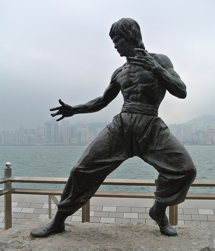 bruce lee the statue